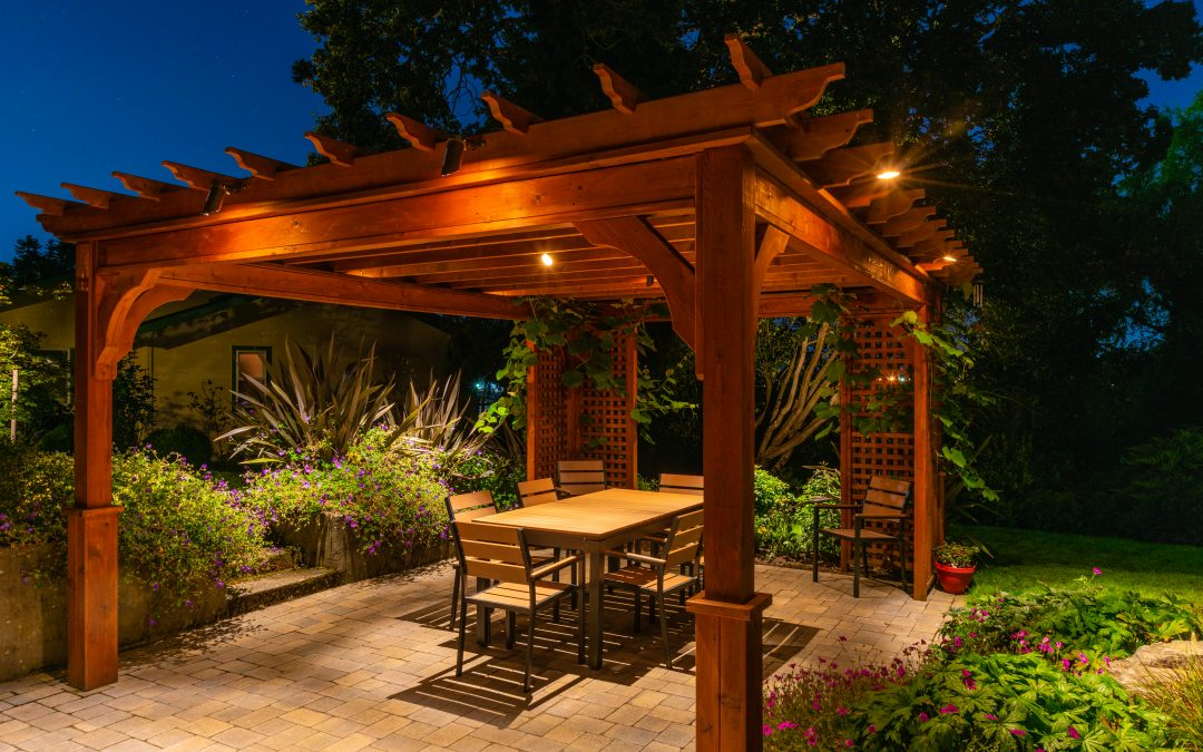 How to Choose an Overhead Garden Structure